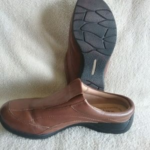 Softspots Shoes - WW size clogs
